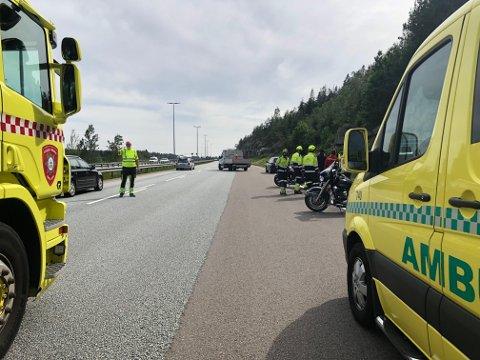 HER SKJEDE DET: Tre kjøretøy har vært involvert i et trafikkuhell på E6 ved Son.