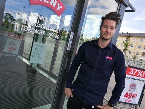 OVERRASKET: Den planlagte strømutkoblingen kom overraskende på daglig leder i Meny Nordbyveien, Jørgen Bjoner.