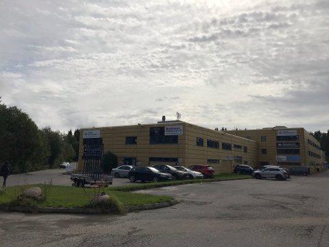 MØTEPLASS FOR RUSSEN: Industriområdet i Sofiemyrveien er blitt et fast møtested for russen i Follo. I mai i fjor ble en 18 år gammel russ fra Ås utsatt for stygg vold.
