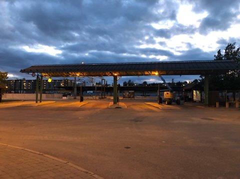 BUSSTERMINAL: Taxiene blir midlertidig flyttet til plattform en og to på bussterminalen.