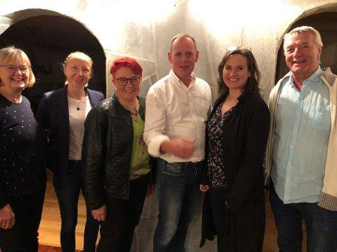 Disse vil styre Frogn de neste fire årene. Fra venstre Brit Østby Fredriksen (SV), Linda Bystrøm (Mdg), Rita Hirsum Lystad (Ap), Hans Kristian Raanaas (Sp), Line Stokholm (V) og Bjørn Rønbeck (Rødt).