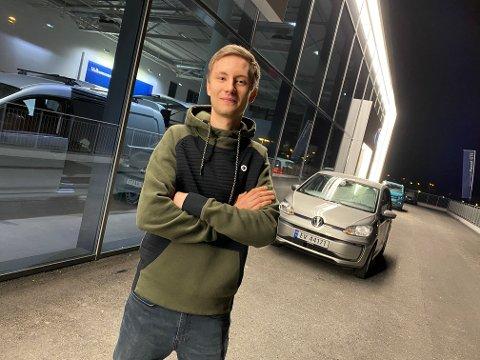 PÅ TV: I morgen dukker Steffen Hansen opp i Idol.