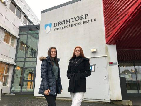 IKKE REELT: - Vi har jo skjønt i ettertid at det ikke har vært noe reelt, sier de to elevene ved Drømtorp, Emilie Lauvli og Leah Isabel Henriksen.