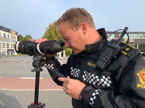 BEKYMRET: UP-leder i Follo, Rune Dahl, er bekymret for all råkjøringen på veiene i distriktet. Her fra en kontroll i Nordbyveien i september.