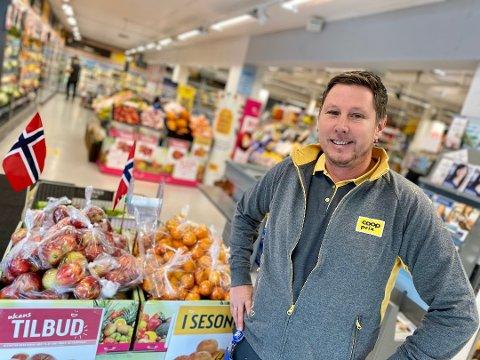 EVENTYRLIG VEKST: – Vi har opplevd en eventyrlig vekst og jeg ser stadig nye kunder i butikken, sier butikksjef for Coop Prix på Nedre Hebekk, Christian Andersson.