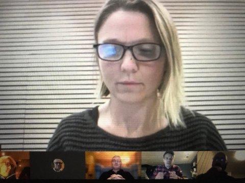 KLAR TALE: Hvis vi skal få til det vi ønsker, må vi se på muligheten til et privat samarbeid. Ellers må vi alle snart svømme i Bunnefjorden, sa utvalgsleder Camilla Hille.