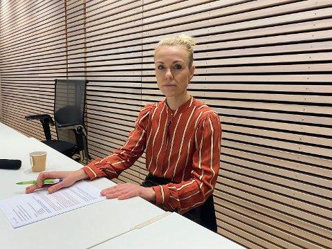 TILTAKENE VURDERES: Kommunestyret i Nordre Follo skal i kveld ta stilling til nye korona-vedtak. Kommuneoverlege Kerstin Anine Johnsen Myhrvold anbefaler nnoen endringer. Østlandets Blad følger saken tett i kveld fra klokken 18.
