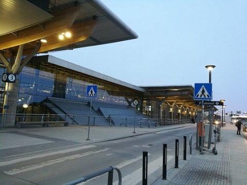 STENGES IKKE HELT: Nordmenn skal fortsatt ha muligheten til å reise inn til Norge.
