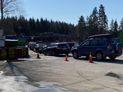 Mange bilister sto i kø første mandag i påsken.