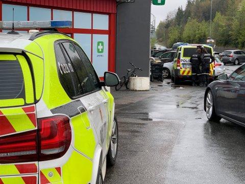 RYKKET UT: Amta fikk tips om at politiet var på Drøbak City like før klokken 12.00.