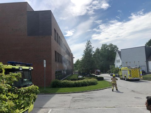BRANN: Dette er et bilde tatt på universitetet i Ås i forbindelse med brannutrykningen.