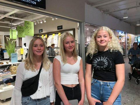 NORGESFERIE: Vennegjengen fra Gudbrandsdalen er med familien på Norgesferie, nå har de stoppet innom Ski Storsenter.