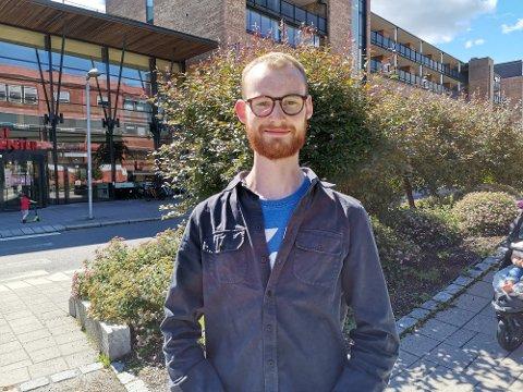 Nils Arne Lindaas (24) er i utgangspunktet ikke for harryhandel. – Det er viktig å støtte opp om det norske, sier han.