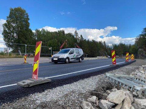 VEIARBEIDER: Arbeidene medfører endret kjøremønster på stedet.