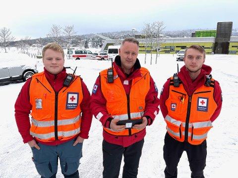 BISTÅR: Herman Brustad, Knut Alstad og Sondre Blokkum har dratt til raset i Gjerdrum. Der er de klare for oppdrag.