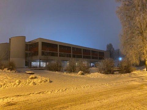 25 personer er i karantene etter et smittetilfelle ved Fløysbonn skole.