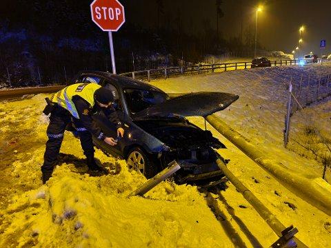 Bilisten var på vei fra E18 ned på gamle E18 da uhellet skjedde.