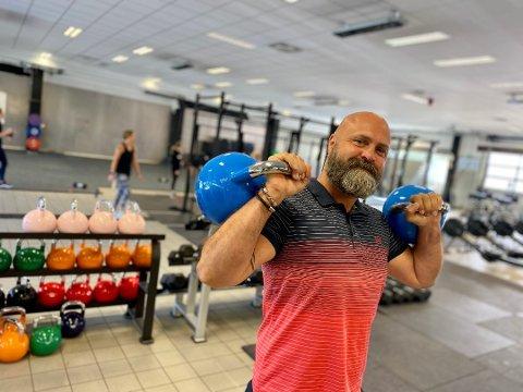 STOLT: Crossfit Eldar-sjef Bjorn Hrobjartsson er stolt av medlemsvekst og dyktige trenere, men aller mest kry er han av at Crossfit Eldar har klart å få 13-15-åringer til å glede seg over å trene crossfit.