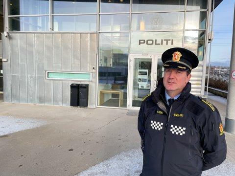 BLIR PRIORITERT: Politistasjonssjef Rune Albertsen sier Follo-folk er flinke til å følge restriksjonene. Brudd på reglene blir prioritert. Koronabøtene er kraftige for å ha allmennpreventive hensyn.