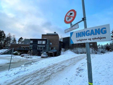 ALVORLIG SITUASJON: Langhus bo og servicesenter har den siste uken blitt hardt rammet av korona.