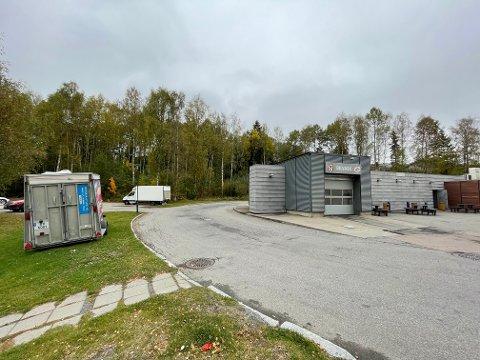 NY BUTIKK?: Vinterbro Utvikling AS ønsker å bygge butikklokaler for Rema 1000 bak bensinstasjonen på Vinterbro, men Rema mener at mer enn 18 parkeringsplasser må til for å kunne drive butikken økonomisk.