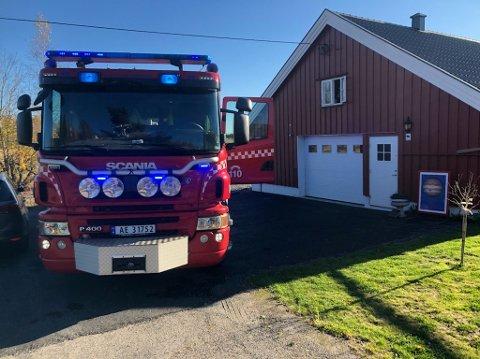 BRANN: Alle nødetatene rykket ut til et branntilløp i Ås torsdag ettermiddag.