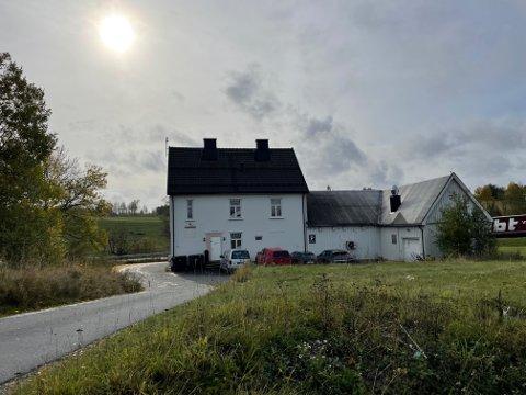 SOLGT: Åsveien 200 (Gnr 62, bnr. 9) er solgt for kr 13.000.000 fra Scandinavian Invest as til Holstad Stasjon as (07.09.2021)