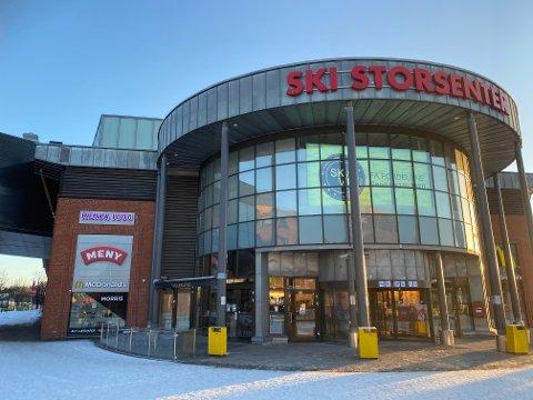 KAN ÅPNE: Torsdag kan Ski storsenter åpne resten av butikkene.
