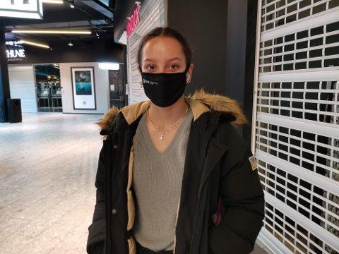 VIL BEHOLDE KOMMUNEN: Natalie San Larsen (17) synes ikke at vi skal bruke ressurser på å gå tilbake til slik som det var før.