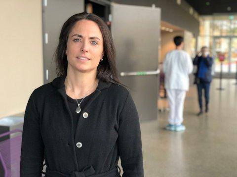 SYSTEMET FUNGERER: Kommuneoverlege i Frogn, Merete Nordaas Hvistendahl synes det er bra at AstraZeneca-vaksinen stanses. Det viser at overvåkningssystemet fungerer.