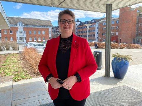 MØTE I DAG: Tirsdag ettermiddag skal ordfører Hanne Opdan og de andre politikerne i formannskapet diskutere eventuelle nye lokale tiltak i kommunen.
