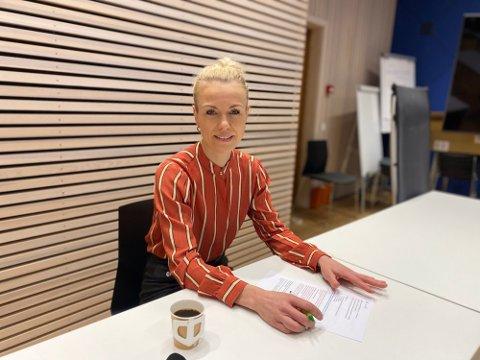 HARMONERER: Kommuneoverlege Kerstin Anine Johnsen Myhrvold sier til ØB at de nye nasjonale lettelsene harmonerer godt med smittesituasjonen i Nordre Follo.