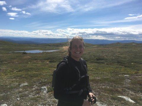 REPRESENTERE NORGE: Anje er trener på super innebandy som har to utøvere som skal representere Norge i Special Olympics.