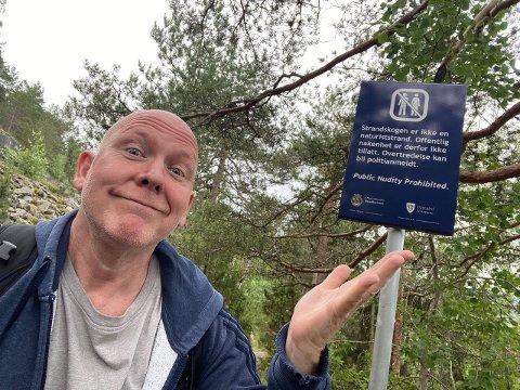 BLE IKKE HØRT: Jan Dalchow trodde det nye forbudt-skiltet skulle fjernes fra Strandskogen. Slik gikk det ikke.