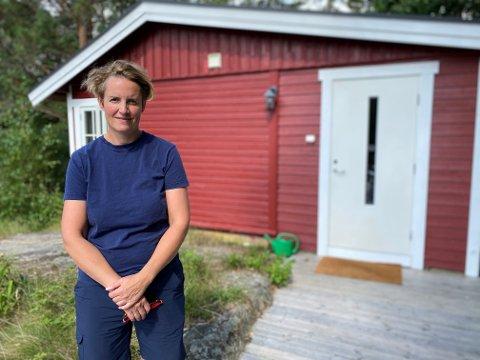 GJESTFRIE: Karoline er glad for å kunne tilby folk et sted der de kan koble helt av.