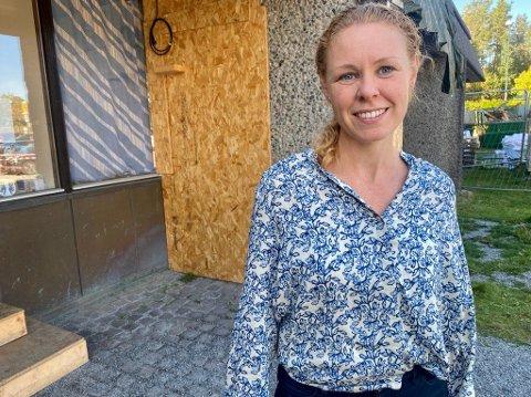 VAKSINESTART: Konstituert kommuneoverlege Monica Viksaas Biermann forteller at kommunen snart starter med vaksinering av 12-15-åringer.