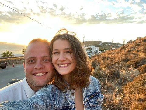 BRYLLUP OG BOLIG: Først giftet Kjetil Andre Gjøsund (26) og Caroline Lindberg Gjøsund (23) seg. Deretter flyttet de inn i drømmeboligen.