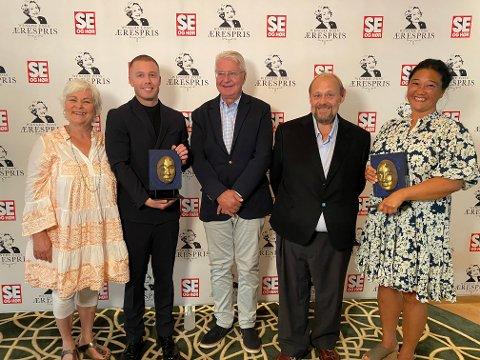 BLE HEDRET: Jurymedlemmene Ulf Andresen, Ellen Horn og Fabian Stang delte ut Wenche Foss` Ærespris til komikeren Herman Flesvig og ADHD Norge, representert ved generalsekretær Gry Lunde.