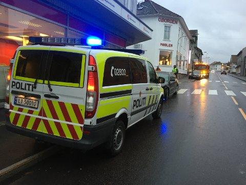 TRAFIKKULYKKE: Brannvesen og politi reiste til ulykkesstedet i Nansetgata. Ett barn er sendt til lege.