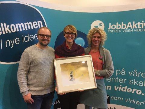Første i Norge: VERKET kunne dra fra dagskonferansen til JobbAktiv med førsteplassen og et maleri med seg. Prisen for beste dagsenter og aktivitetstilbus ble delt ut for første gang i år, og VERKET satt standaren for de kommende.