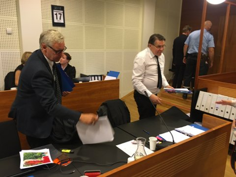 FORTSATTE UTSPØRRING: Statsadvokatene Alf Martin Evensen og Per H. Halsbog fortsatte utspørringen av tiltalte på dag to i retten onsdag.