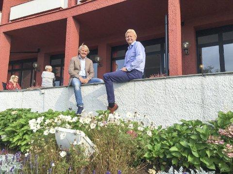 Stolte: Jan Hansen og Finn Erik Røed er stolte og glade over resultatene i undersøkelsen. De håper folkets svar gir fortgang i prosessen.foto: Erik Werner Andersen