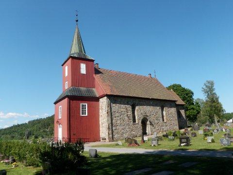 Hedrum kirke er en av de vakreste middelalderkirker i Vestfold.