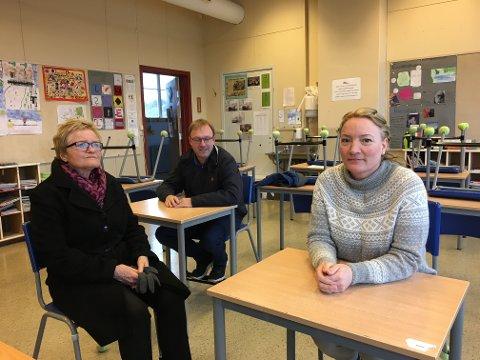Ap-politikere Turid Løsnæs, André Lysnes og Guro Kohlberg lover å ta fatt på arbeidet med opprustning av Østre Halsen skole.