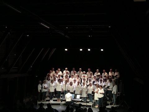 Rakkestuten Blandakor holdt sin årlige sommerkonsert på Galeiscenen lørdag.