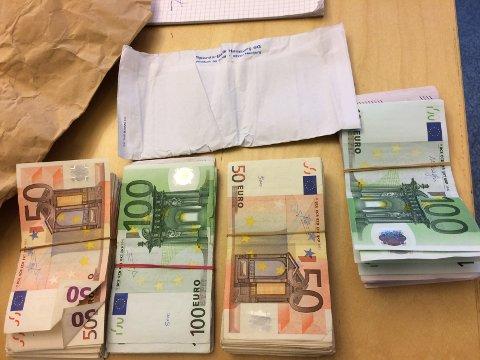 Mye penger: Mannen kunne ikke forklare hvor pengene stammet fra, og ble arrestert og sikitet for valutasmugling. i