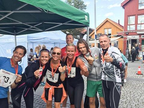 Vinnere av Vestfold maraton i mixklassen:  Anette Eskedal Tveit (f.v.), Nina Øritsland, Anne Therese Ihlen, Jørn Andersen (bak), Birte Støvland Riksfjord, Audun Bakke og Arvid Hansen.