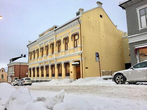 Tiltalt for seksuelt misbruk: Mannen (70) møtte i Larvik tingrett mandag tiltalt for incest mot datteren og sønnen.