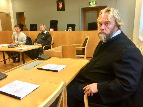 VITNER: Forsvarer til 21-åringen som fikk 16 års fengsel for forsettlig drap på E18, advokat Jon Anders Hasle, vurderer flere sakkyndige vitner før ankesaken skal opp.