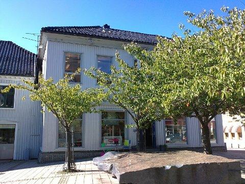 Faugstadgården: Tidligere «Baker P. J. Pettersens gård».